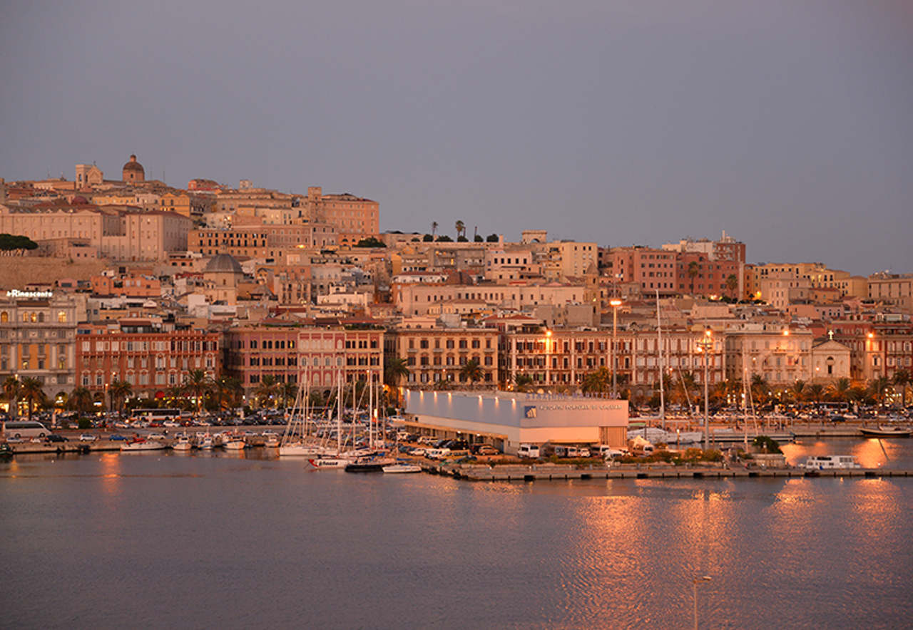 Sardinien setzt Segel