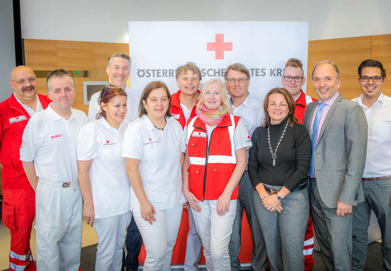 W&H Mitarbeiter zeigen vollen Einsatz bei Blutspendeaktion